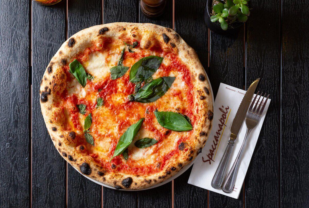 Пиццерия Spacca Napoli